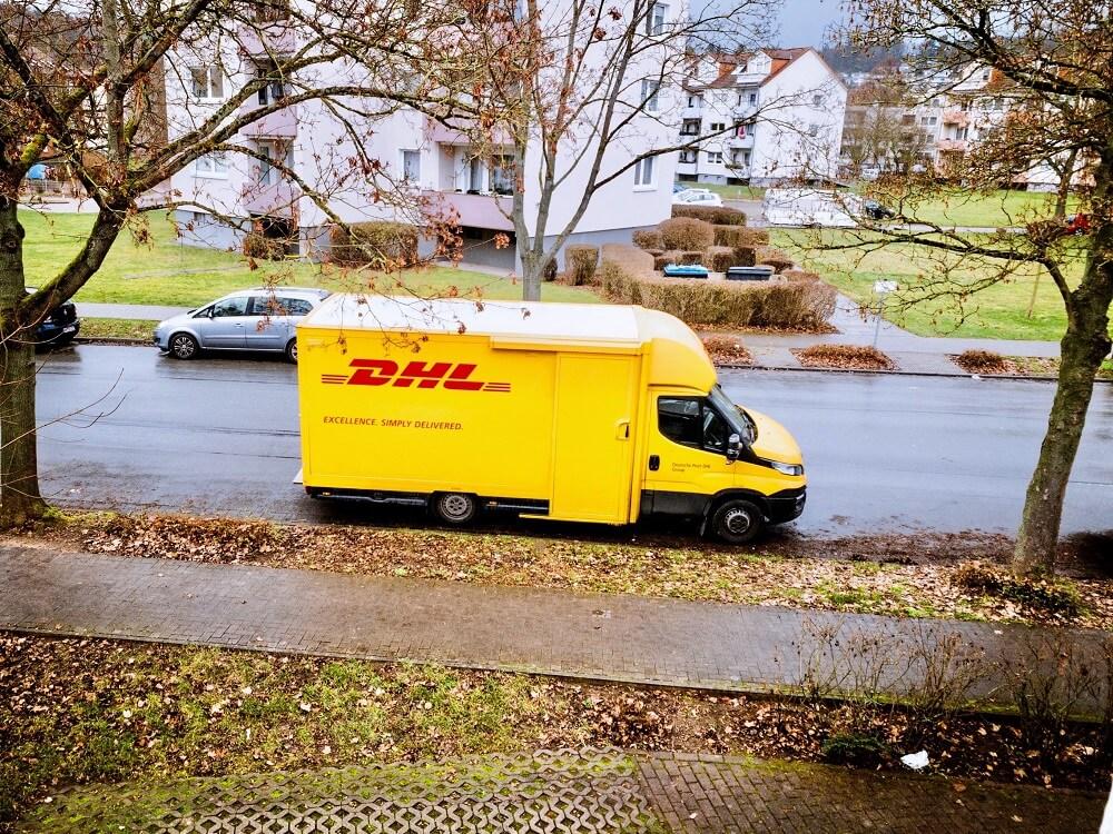 Artikel bei Amazon nicht zurückschicken: DHL-Auto